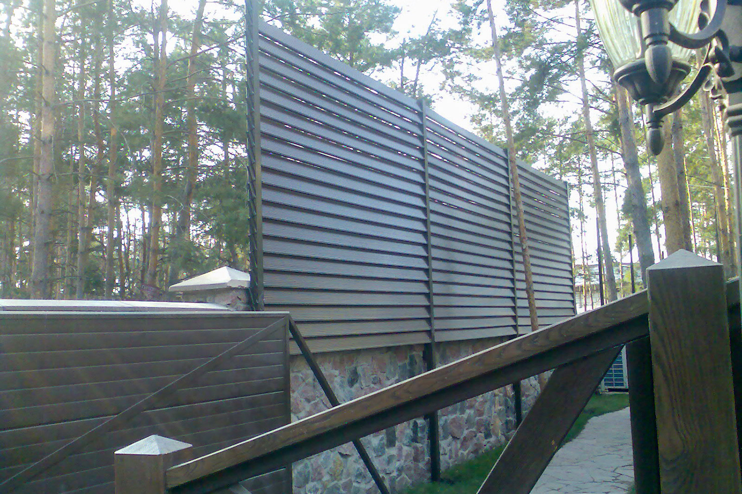 fence-from-decking-holzdorf-02